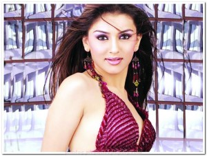 Hansika Motwani hot photo 007 300x227 Bollywood Squash